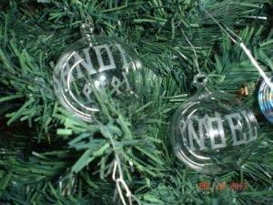 SANDI-NOEL-ornament